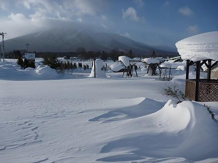 岩手山とトトロの家と雪と(2011.1.13)