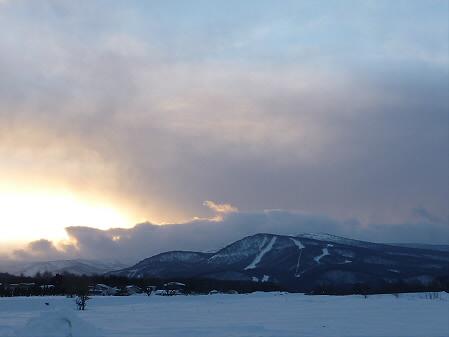 夕日が当たる下倉スキー場(2011.1.25)