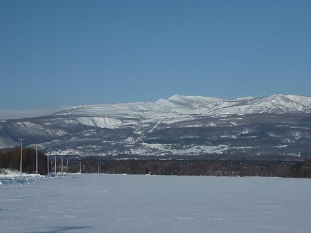 上坊牧野から見る八幡平01(2011.2.2)