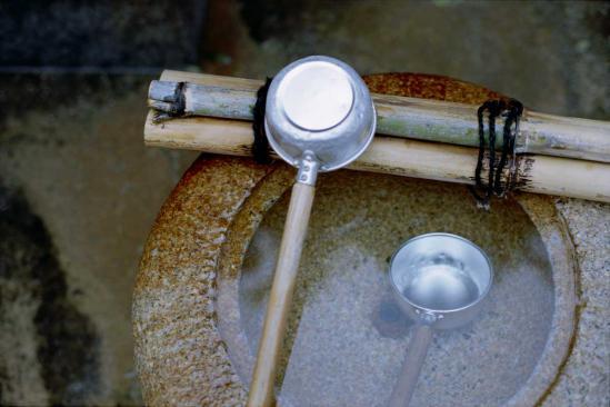 興福寺延命地蔵尊の手水鉢