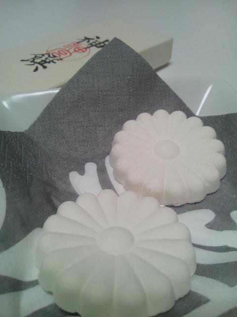 20130118神様の白いお菓子