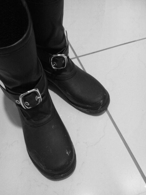 20130227黒い長靴