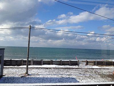 海も冬景色