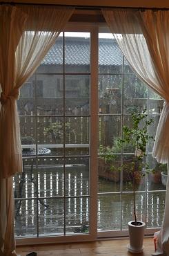 ガーランド雨ふり