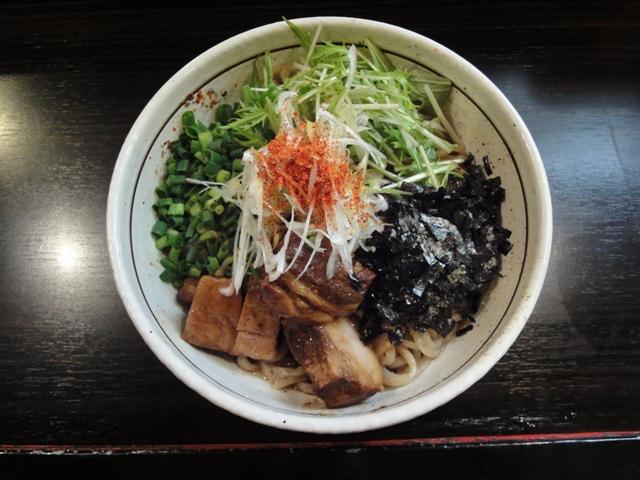 トロ肉のせ和え麺