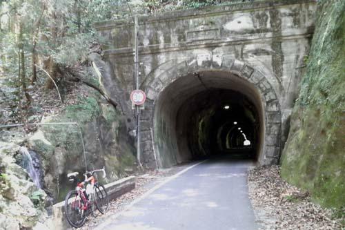 幽霊トンネル?