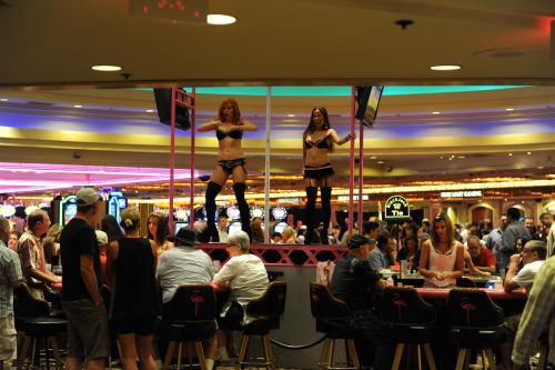カジノのポールダンス