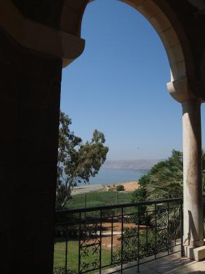 山上の垂訓教会からガリラヤ湖