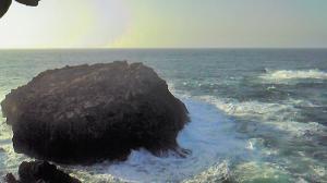 竜宮の潮吹きの西