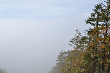 雲海の向こう