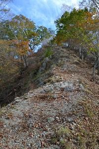 石の尾根道