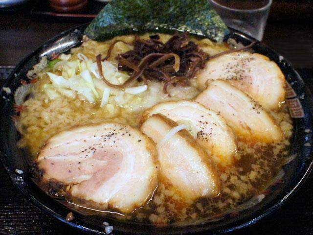 麺や丸め_燕三条系ラーメン(チャーシュートッピング)
