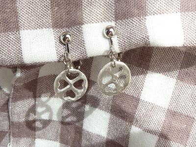 クローバーのイヤリング