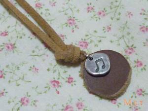 音符チャームのネックレス