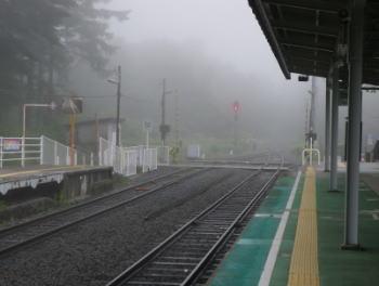 清里駅ホーム