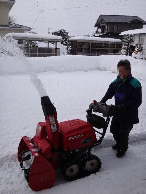 除雪中のたかちゃん