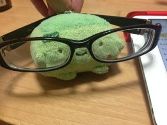 前のメガネ