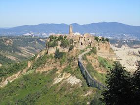 チヴィタ・ディ・ヴァニョレージョ (Civita di Bagnoregio)