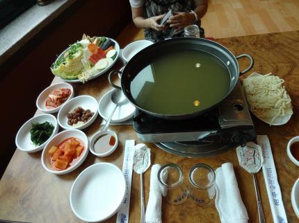 うどんすきの鍋
