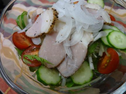 鶏スモークのサラダ
