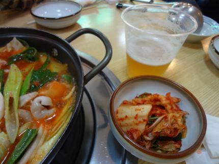 鍋とキムチ