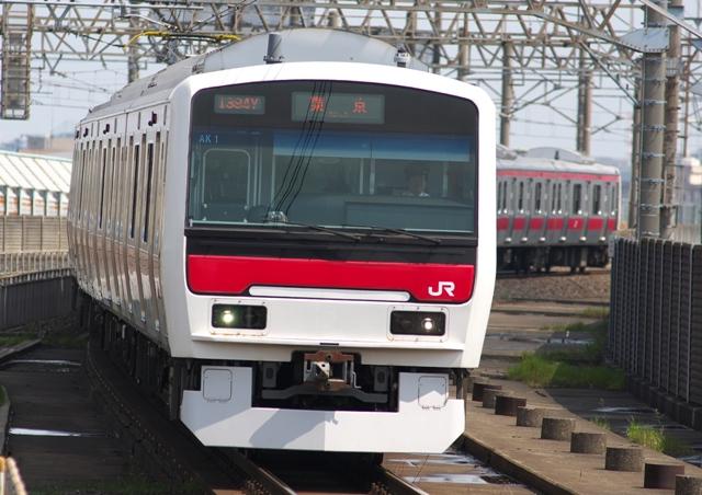 100423-JR-E-331-minamihunabashi-2.jpg