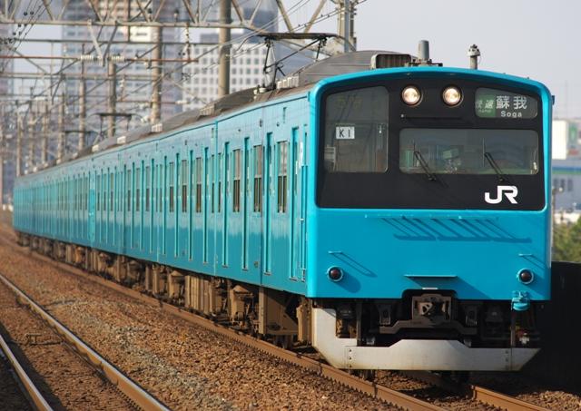 100424-JR-E201-keiyo-ichikawashiohama.jpg