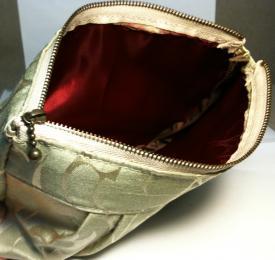 Tuck pouch 2 inside