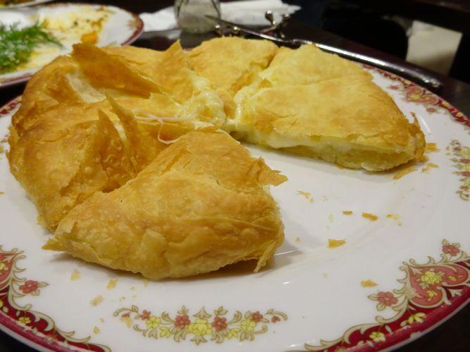 ハチャプリ(チーズのパン)