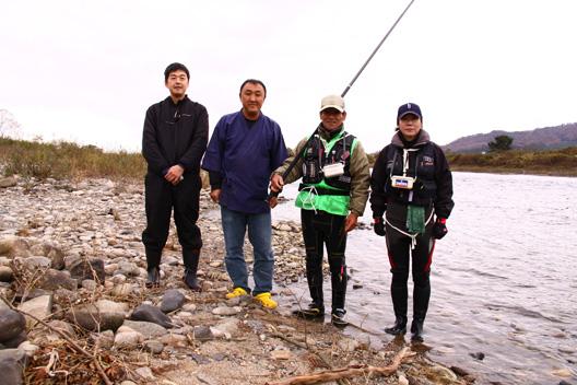 荒川鮭釣り