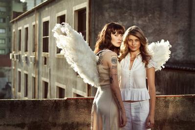 天使 羽 廃墟 人 ポートレート