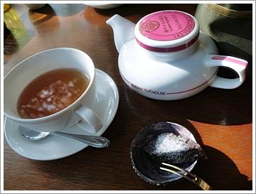 本日の紅茶とデザート