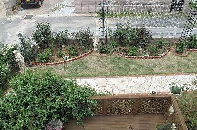 二階から見た庭