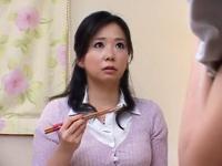 他人の妻たち~yourfilehost~:【息子の友人と動画】禁断の美人妻 ママ友達と息子を交換して・・・