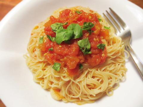 トマトソースの冷製カッペリーニ