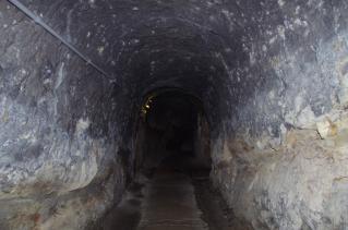 隠れ洞窟に潜入