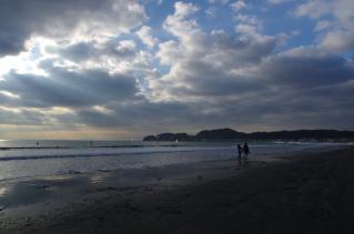 曇り空の海岸