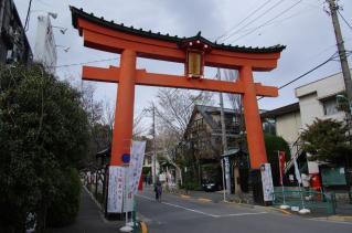 大宮八幡神社から歩む桜道へ