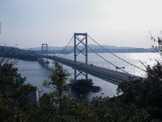 鳴門大橋を眺めて