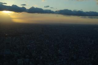 夕焼けに染まる東京