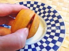 141016 小さな柿の「種」の取除き方-5