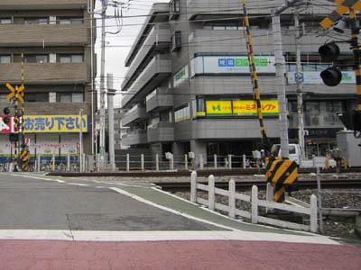 fumikiri_syakujii10_2_20120310