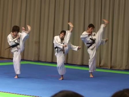 団体戦 蹴武型 江東テコンドークラブ