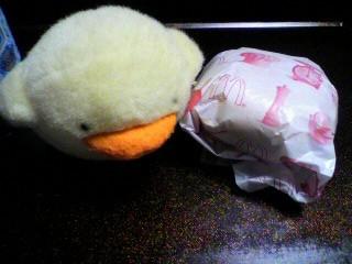 マクドナルド「チーズ月見バーガー」