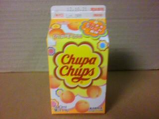 オハヨー乳業「Chupa Chups(チュッパチャプス) ピーチ&クリーム風味」