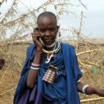 Mobile_Woman_in_Masai.jpg