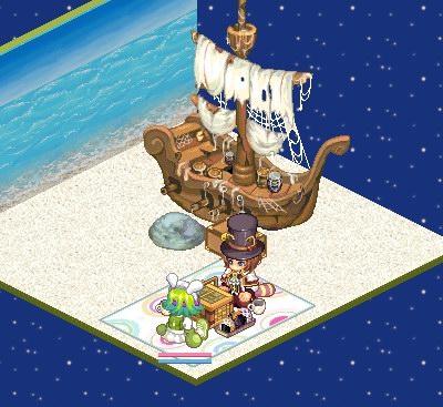 ボロ船ですね しかも浜に乗り上げてる