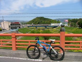 旧・尼子橋から大舘城を望む