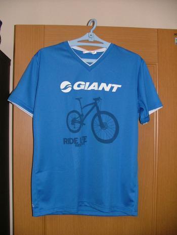 GIANT コラボTシャツ