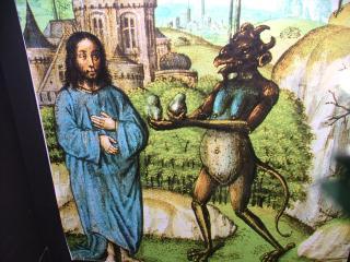 ・・・・・?キリストと悪魔?